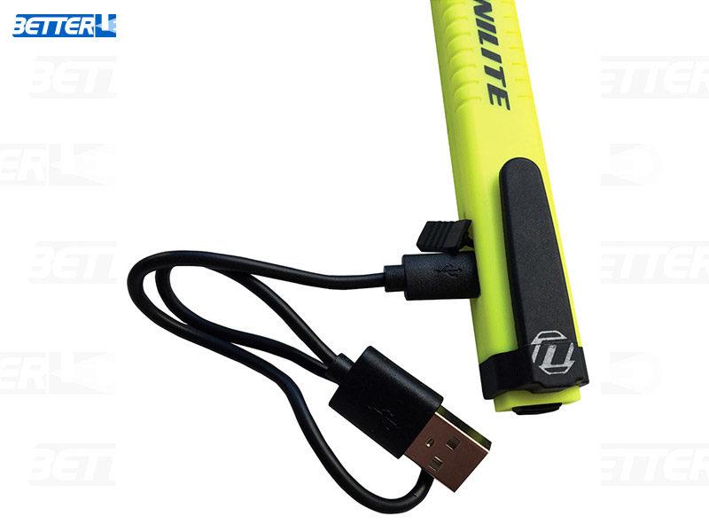 Unilite műszaki led lámpa, könnyű, kemény műanyag, mágneses tartó, usb kábel töltés